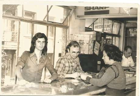 Antes de se tornar um empreendedor, Wilson chegou a trabalhar como aprendiz de sapateiro e em uma loja de materiais elétricos