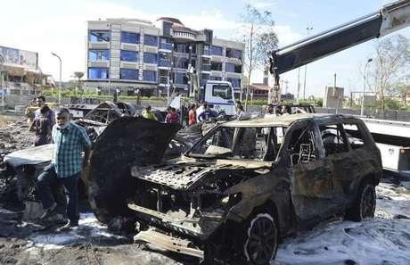 <p>Local da explos&atilde;o de um carro-bomba em Bagd&aacute;, no in&iacute;cio da semana</p>