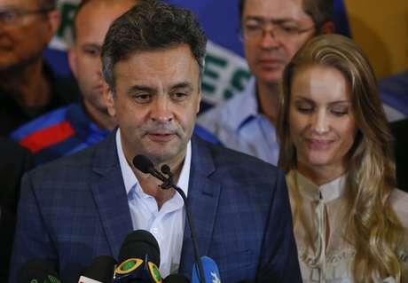 """<p>Aécio afirma que Dilma deve: """"unir o Brasil em torno de um projeto honrado""""</p>"""