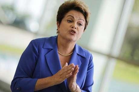 A presidente Dilma Rousseff fala à imprensa em Brasília, no início de outubro. 10/10/2014
