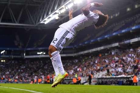 <p>Marcelo comemorou com saltos mortais e irritou atacante do Cornellà</p>