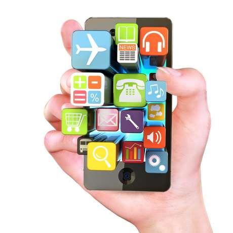 Um levantamento realizado pela Kantar Worldpanel revelou que a maior parte dos proprietários de smartphones no Brasil pertence à classe C. O estudo ouviu 27 mil pessoas em nove mil residências em todos os Estados brasileiros
