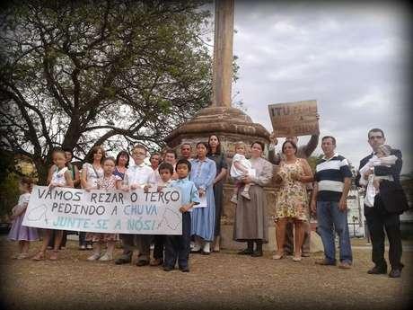 No sábado foi realizado o 1º Terço Público pedindo a Nossa Senhora Chuva