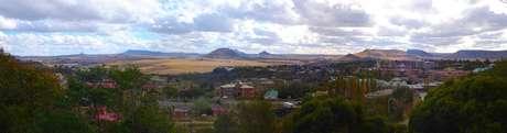 Foto de panorama de cidade lesotiana