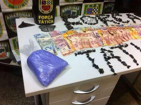 <p>A idosa foiautuado em flagrante por tráfico de drogas</p>