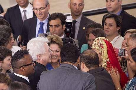 <p>Autor foi recebido no Palácio do Planalto para receber comenda</p>