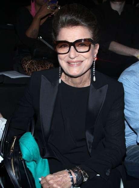 <p>Aos 76 anos, consultora de moda revela ritual de beleza</p>