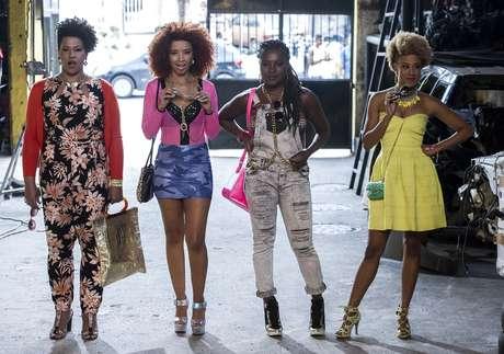 As quatro amigas que protagonizam a série exibem cabelos ousados e estilosos