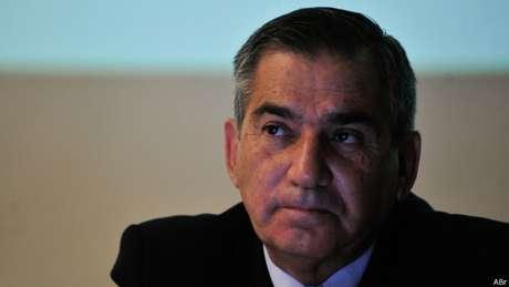 Gilberto Carvalho em um seminário sobre conflitos fundiários; o ministro cuida da ponte com movimentos sociais
