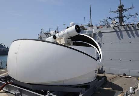 O projeto do Laser Weapon System (LaWS) demorou sete anos e custou US$ 40 milhões em seu desenvolvimento
