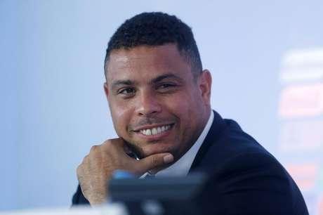 Ex-atacante Ronaldo durante coletiva de imprensa no Rio de Janeiro. 10/10/2013.