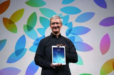 """<p>Tim Cook, atual presidente-executivo da Apple afirma que """"algumas mentes brilhantes da App Store também estão emprestando seus talentos para esta causa""""</p>"""