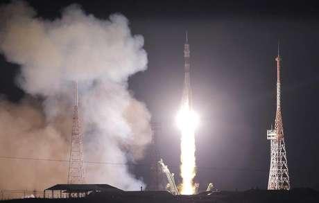 <p>Novos integrantes juntam-se a outros tr&ecirc;s astronautas que j&aacute; est&atilde;o a bordo da ISS</p>
