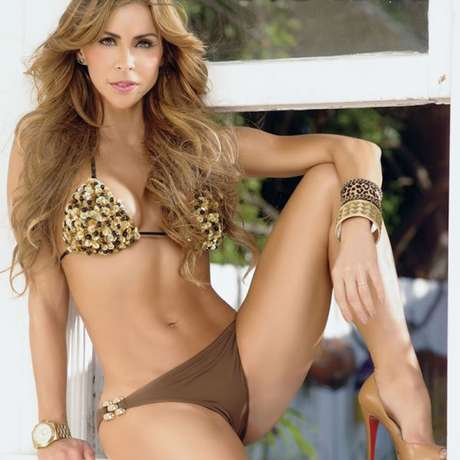 ... Violeta, Aylín Mujica sorprendió posando en bikini para TV Notas