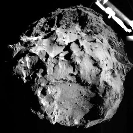 <p>Assim, os cientistas devem descobrir pistas sobre o que os cometas trouxeram para a Terra na época em que o planeta estava se formando.</p>