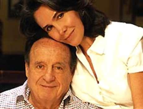 <p>Após 27 anos trabalhando juntos, ele se casou, em 2004, com a atriz Florinda Meza, que interpretava a Dona Florinda</p>