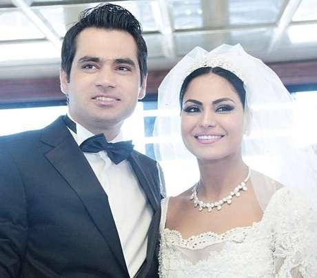 <p>Veena casou-se com o empresário Asad Bashir Khattak, 30 anos, quando estava grávida de quatro meses do seu filho</p>