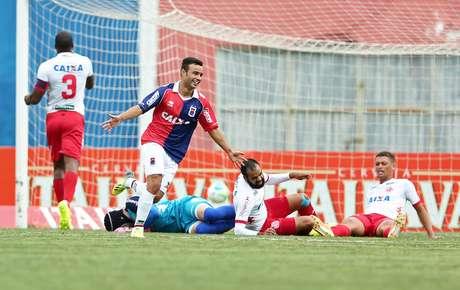<p>Paraná dominou o América-RN e rebaixou o rival à Série C</p>