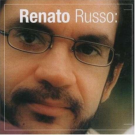 <p>O cantor Renato Russo &eacute; outro brasileiro famoso que morreu, aos 36 anos, em decorr&ecirc;ncia da Aids. Nunca falou publicamente sobre a doen&ccedil;a</p>
