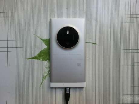 Com o nome 'Nokia RM-1052', o smartphone teria o sistema operacional Windows Phone 8.1, 2 GB de RAM e tela de 5 polegadas