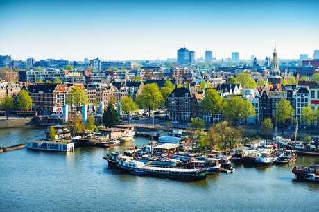 Aproveite cinco dias em Amsterdã com cerveja, bike e mercado