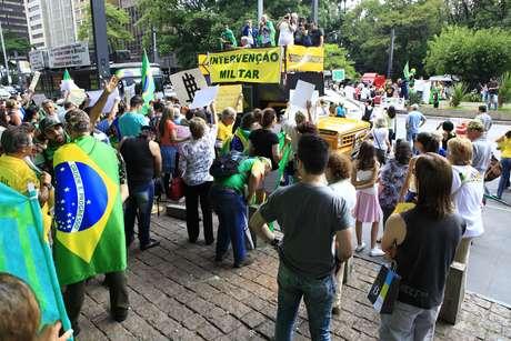 <p>Protestos contra Dilma j&aacute; ocorriam&nbsp;desde o fim das elei&ccedil;&otilde;es do ano passado</p>