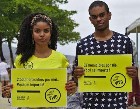 EUA param por Michael Brown; Brasil esquece seus Amarildos