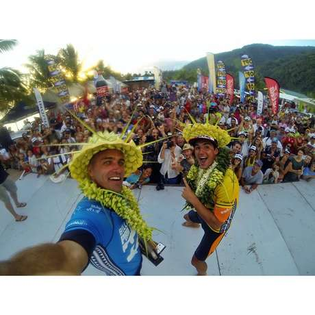<p>Medina fez festa no Havaí e ainda vai comemorar muito em São Sebastião</p>