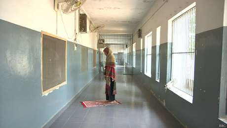 Muitas mulheres presas no Paquistão são acusadas de adultério e aguardam julgamento por anos