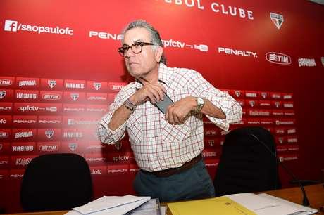 <p>Carlos Miguel Aidar vive momento tenso com seu antecessor Juvenal Juvêncio</p>