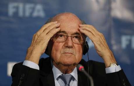 <p>Blatter decretou novas normas em setembro do ano passado</p>