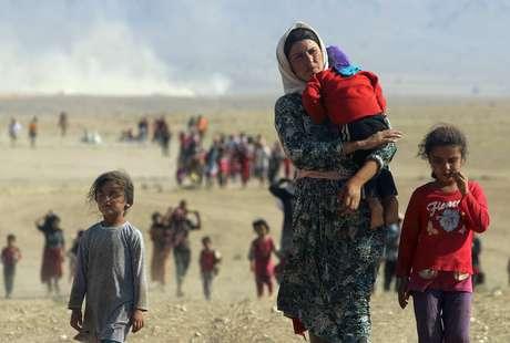 A guerra obrigou milhares de cidadãos sírios a abandonar suas casas e buscar refúgio em outros países