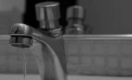 <p>Água pode faltar em algumas localidades com a redução da pressão</p>