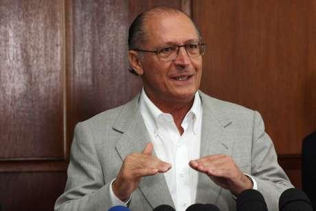 Alckmin concede entrevista após reunião com os novos secretários no Palácio dos Bandeirantes, em São Paulo