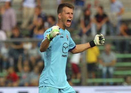 <p>Com contrato até julho deste ano, Fiorentina-ITA precisa vender Neto para não sair de graça</p>