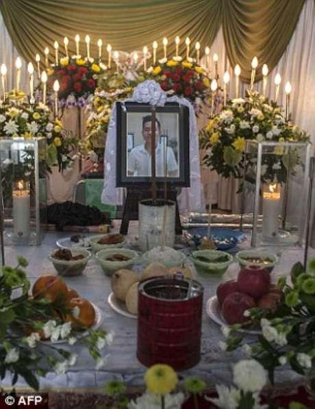 A família de Hendra preparou funeral para o jovem de 23 anos que foi identificado pelas autoridades