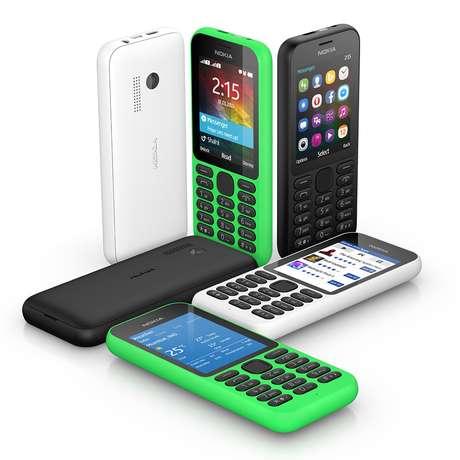 Celular de entrada, o Nokia 215 não possui sistema operacional Android ou Windows Phone, mas o Series 30+ similar ao antigo Symbian da Nokia