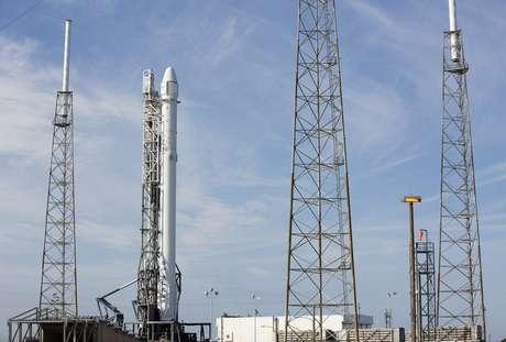 Faltando menos de dois minutos de contagem regressiva, o lançamento da estação do Cabo Canaveral foi cancelado