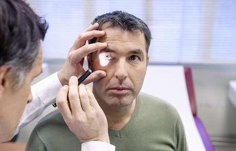 <p>Sem tratamento, a doença pode cegar o paciente</p>