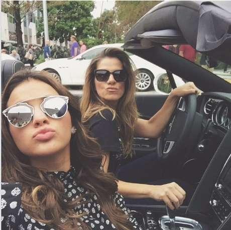 f0c8a2cf54e48 Óculos da Dior de R  2 mil viram febre entre famosas