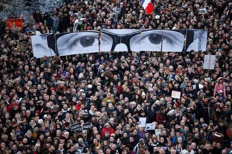 <p>Milhões de franceses foram às ruas após os atentados em Paris</p>