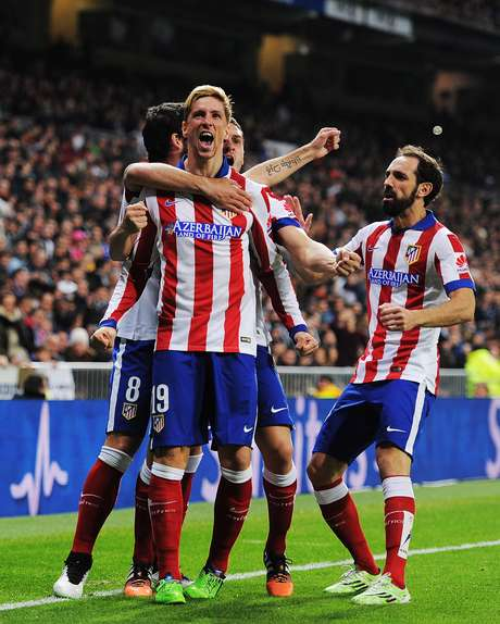 Jogadores do Atlético comemoram gol marcado por Torres