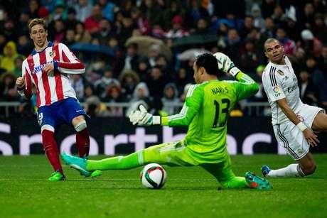 Fernando Torres supera Navas e amplia o placar