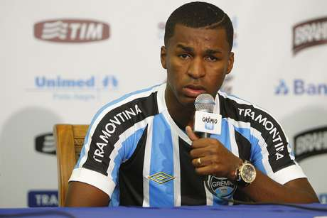 Erazo pode ser desfalque no Grêmio por sete rodadas do Brasileiro