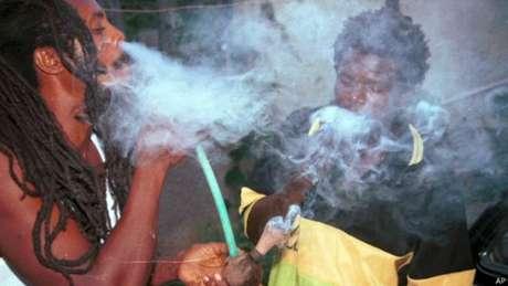 Se lei for aprovada, membros da religião Rastafari poderão usar maconha legalmente