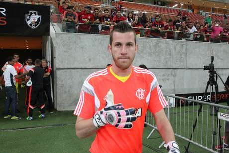Paulo Victor foi um dos destaques da partida com defesas que pararam o Vasco