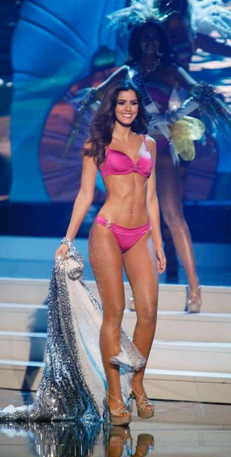 Paulina Vega, da Colômbia, ganhadora do Miss Universo de 2015. 25/01/2015