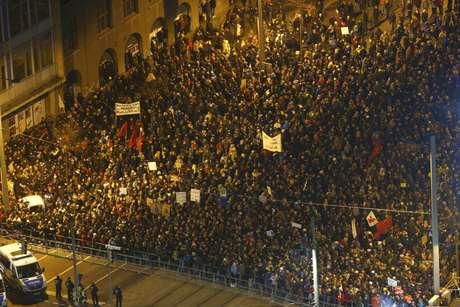 Manifestantes do Legida, o braço do Pegida em Leipzig, participam de ato em 21 de janeiro