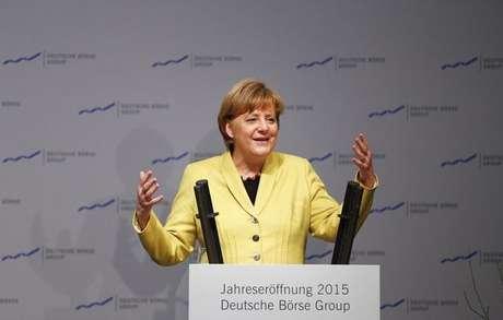 """<p>De acordo com a chanceler alemã Angela Merkel, os membros do Pegida são""""racistas cheios de ódio que querem excluir pessoas a partir da cor da pele ou de religião diferentes</p>"""