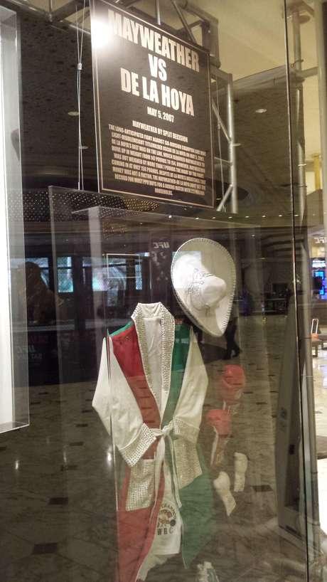 Mayweather vs De La Hoya está imortalizado na entrada do MGM